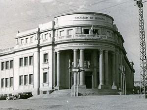 Facultad de Medicina, inaugurada en 1944.